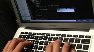 24 proc. młodych Polek doświadczyło przemocy w internecie