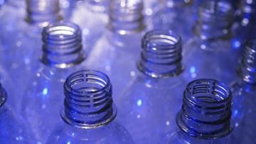 Katowice: radni chcą wycofać plastik z miejskich imprez. Wiceprezydent: prawo na to nie pozwala
