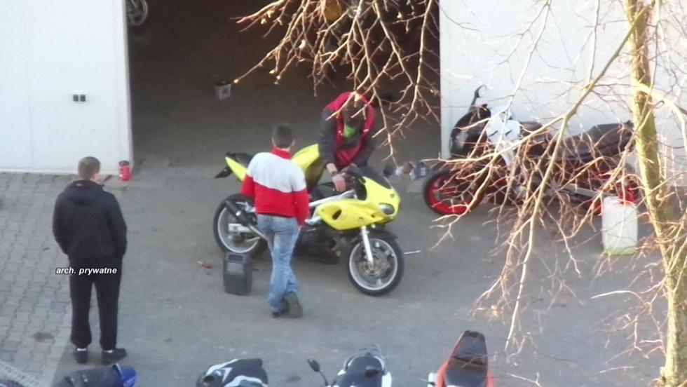 Interwencja - Motocykle i hałas. Nielegalny warsztat za oknami